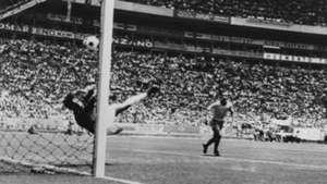 2019-02-13 Pele Banks 1970 Brazil vs England
