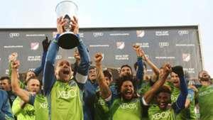 Osvaldo Alonso Seattle Sounders MLS 11272016