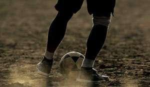 Amateur Fußball Rasen ball neutral