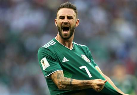 El Tri's Layun stuck in Mexico because of flight issues