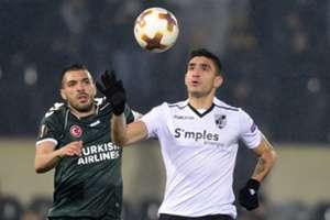 Mehdi Bourabia Guillermo Celis Vitoria Guimaraes Konyaspor 12/07/17