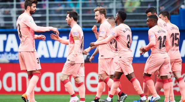 Pique Messi Eibar Barcelona LaLiga