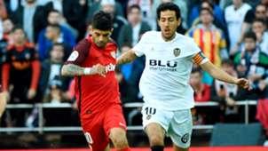 Ever Banega Dani Parejo Valencia Sevilla LaLiga 08122018