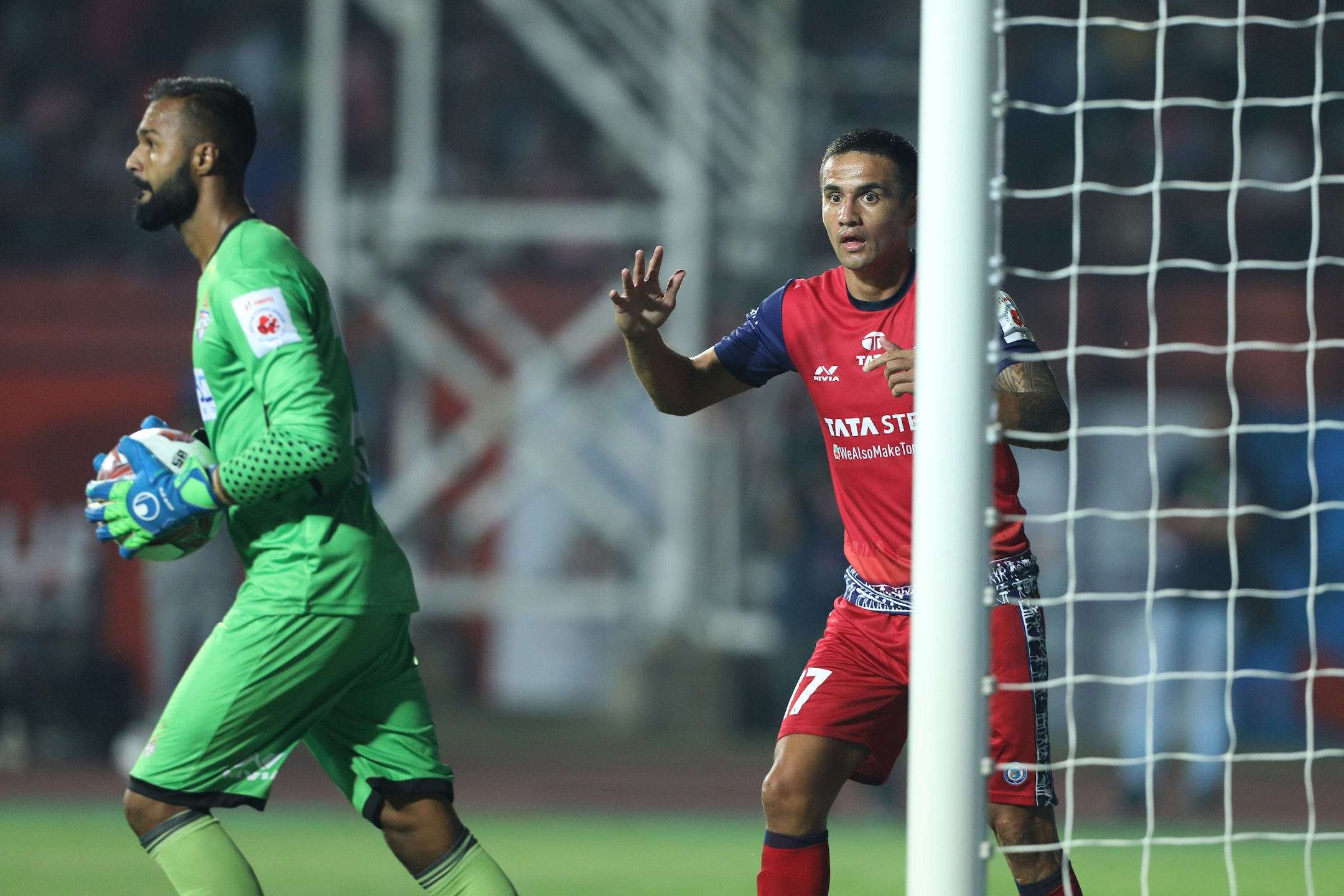 Tim Cahill of Jamshedpur FC reacts on missing the goal against ATK in Hero ISL