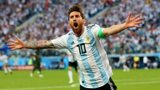 Carlos Tevez urges  soul of Argentina  Lionel Messi not to retire from  international football  f5f585fc80d28