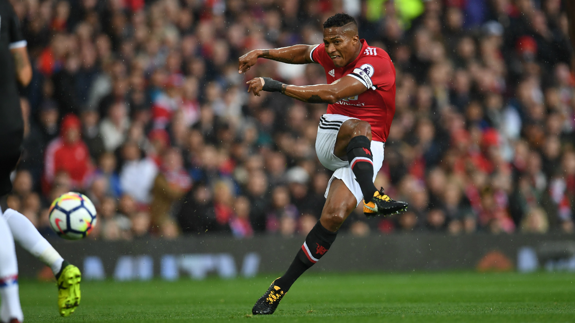 Antonio Valencia Manchester United Crystal Palace 30092017