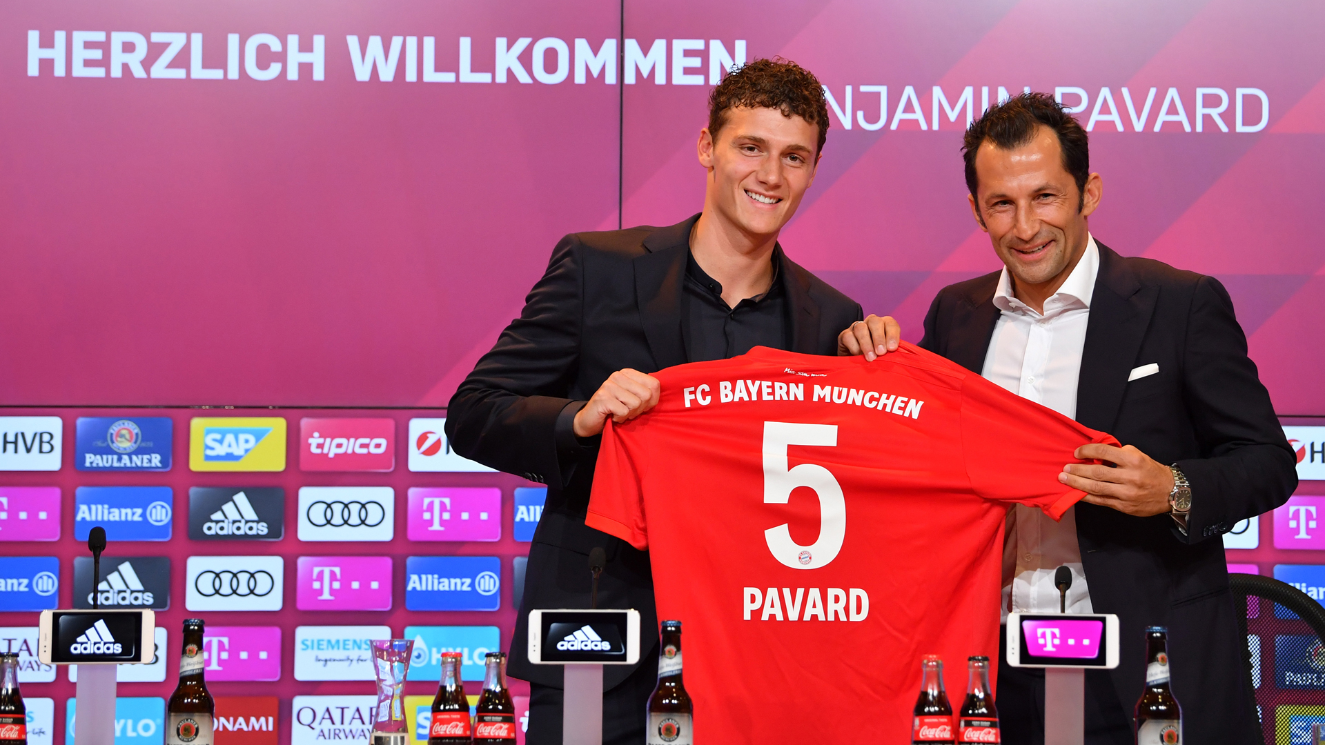 Benjamin Pavard FC Bayern München Bundesliga