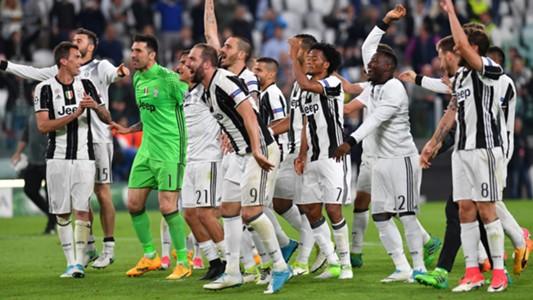 Juventus celebrating vs Monaco