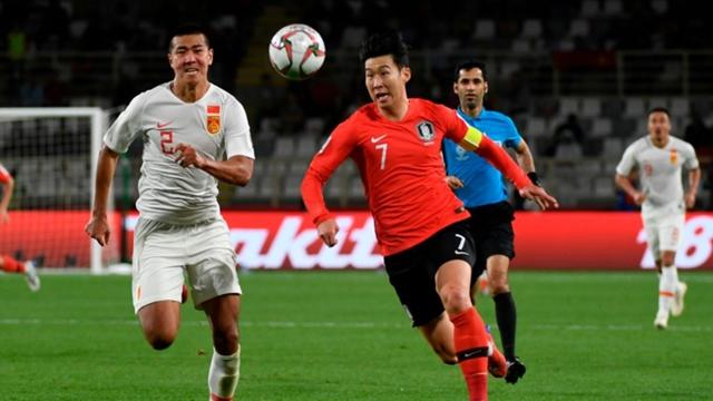 ผลการค้นหารูปภาพสำหรับ ซนนำเกาหลีใต้อัดจีน 2-0