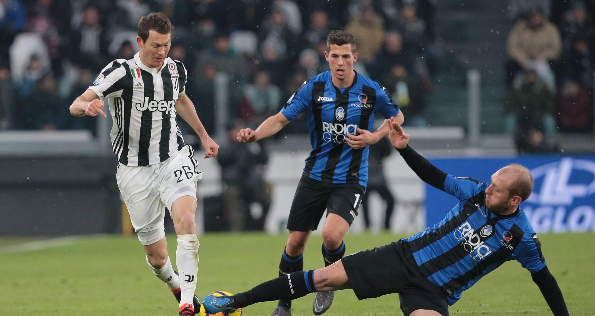 Stephan Lichtsteiner Andrea Masiello Juventus Atalanta Coppa Italia