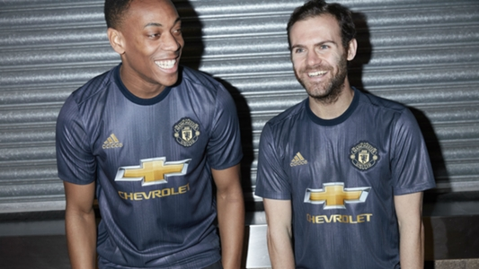28300a4ff Man Utd unveil retro 2018-19 third kit | Goal.com
