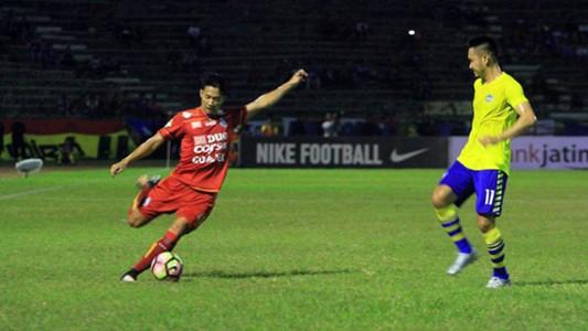 Dendi Santoso - Arema FC & Agus Indra - Persegres Gresik Pekan Ke-14