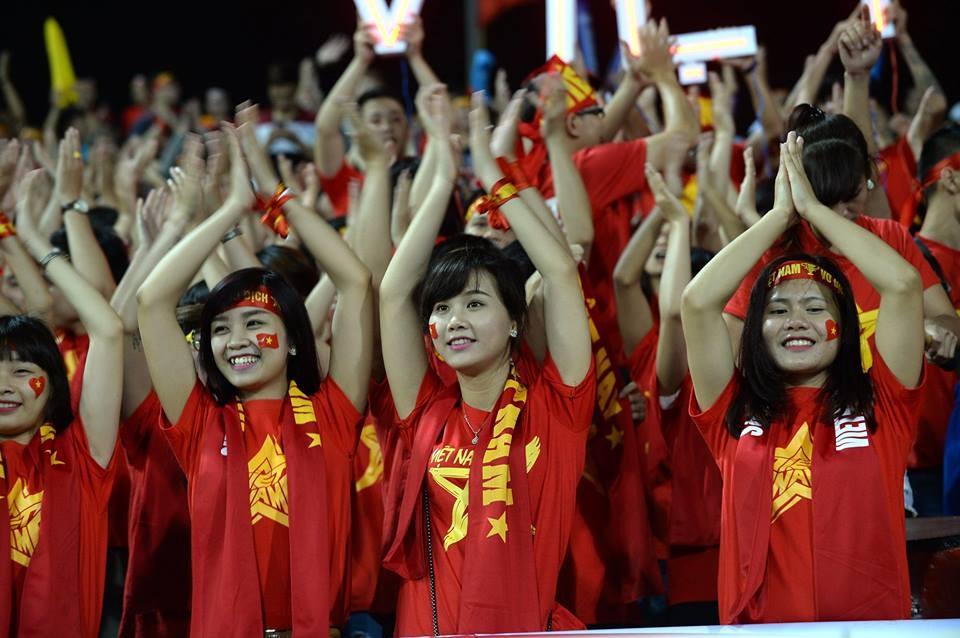 ผลการค้นหารูปภาพสำหรับ เวียดนามส่อโดนปรับ2ล้านและแข่งไร้แฟน