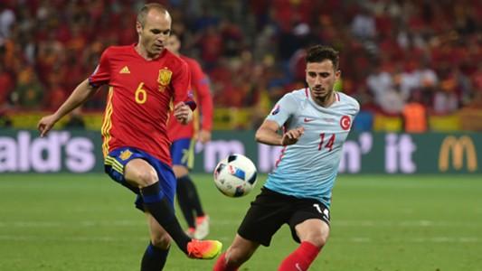 Andres Iniesta Oguzhan Ozyakup Spain Turkey Euro 2016