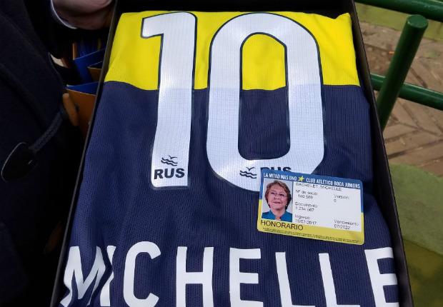 Bachelet camiseta carnet
