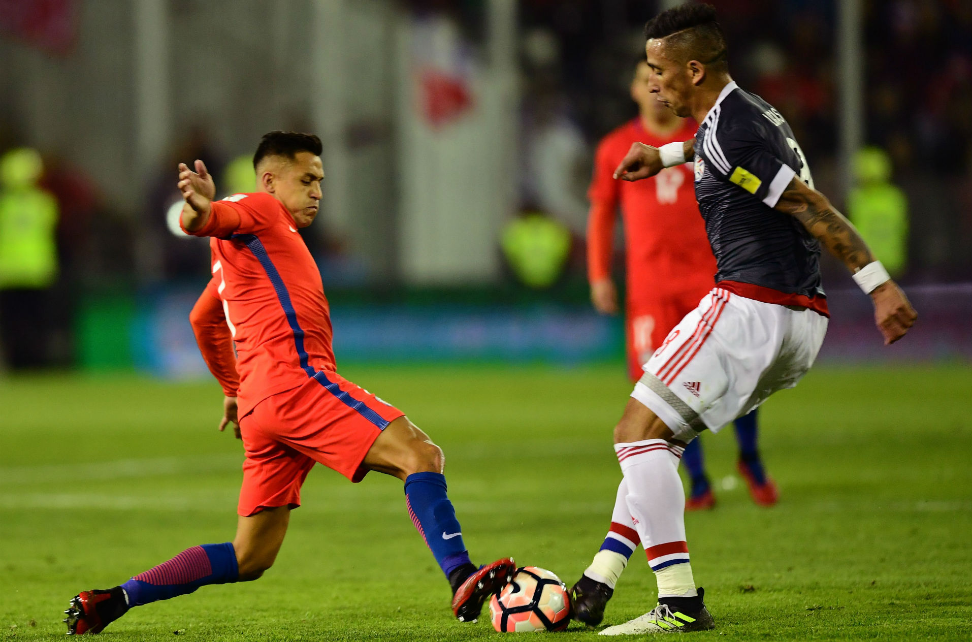 310817 Lucas Barrios Alexis Sánchez Chile Paraguay JUST FOR BODY NOT COVER