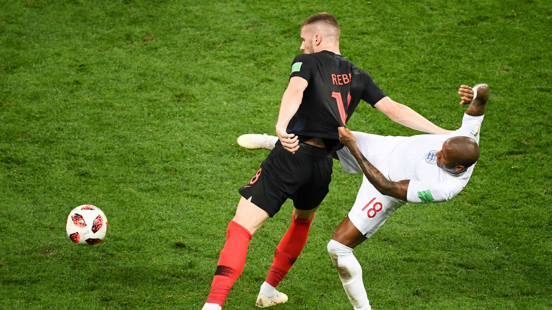 croatia england - ante rebic ashley young - world cup - 11072018