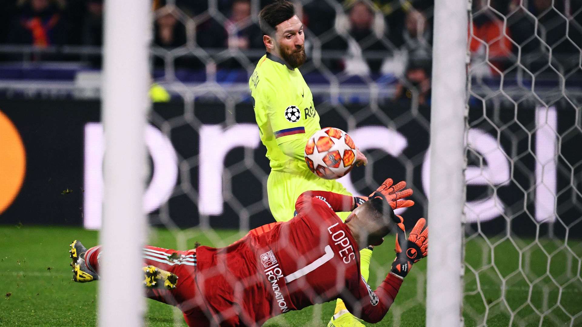 Lionel Messi Lyon Barcelona Champions League 19022019