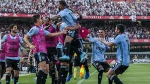 Dani Alves celebrate Sao Paulo