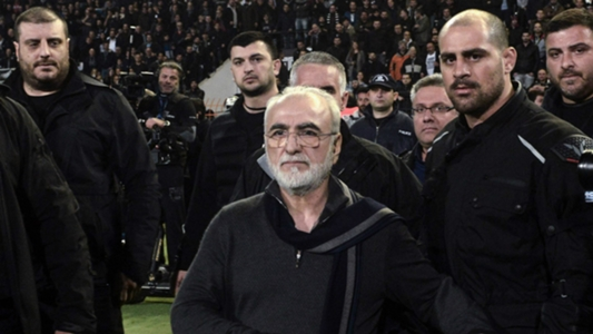 PAOK president apologises after invading pitch with gun