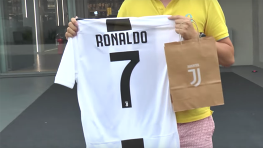 ronaldo juventus jersey india how much is cristiano ronaldo s juventus shirt jersey kit goal