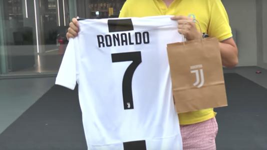 How much is Cristiano Ronaldo s Juventus shirt 30cc44b6f