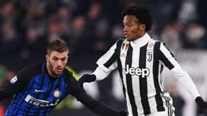 Juan Cuadrado Davide Santon Juventus Inter