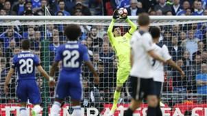 Thibaut Courtois Chelsea Tottenham