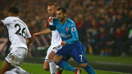 Henrikh Mkhitaryan Mike van der Hoorn Arsenal Swansea Premier League