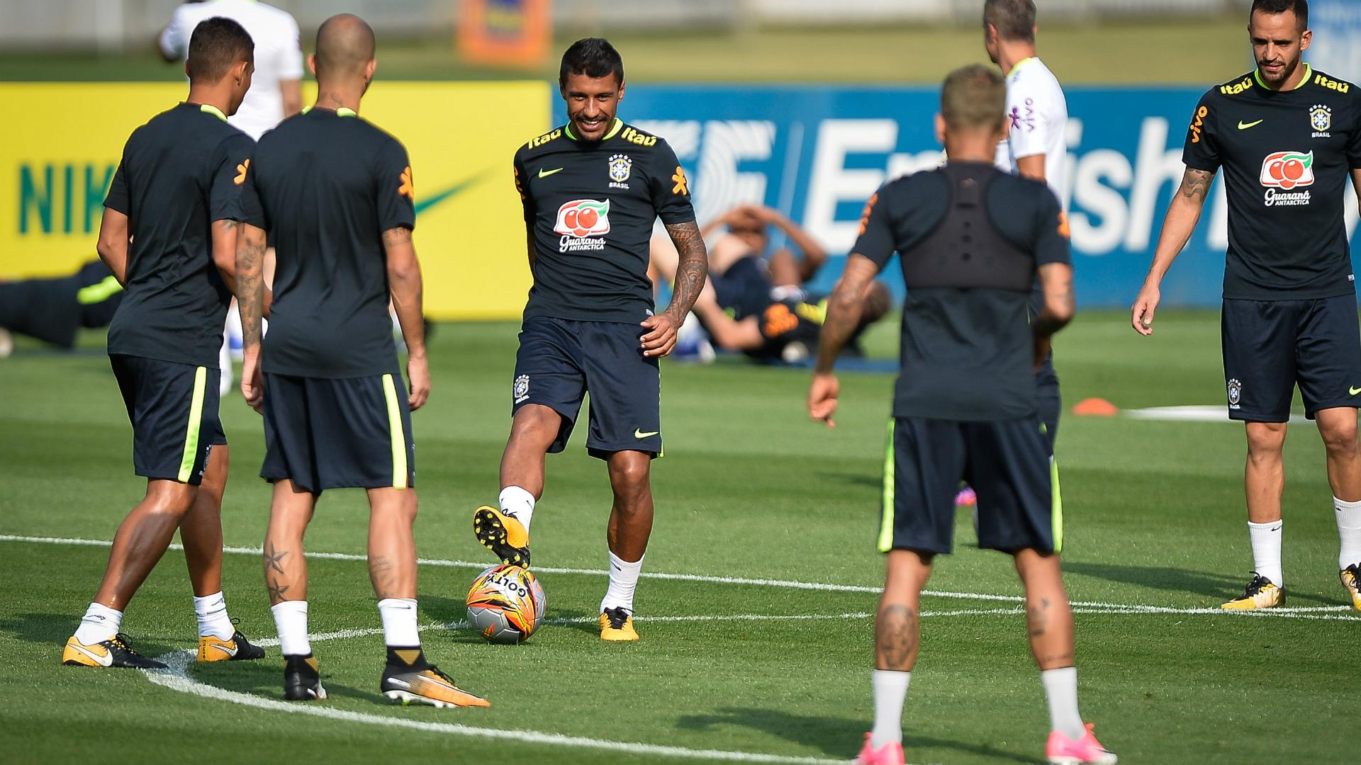 Alex Sandro, T. Silva e Coutinho serão as novidades contra a Bolívia