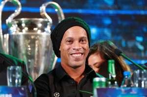 Ronaldinho - Ho Chi Minh ctity