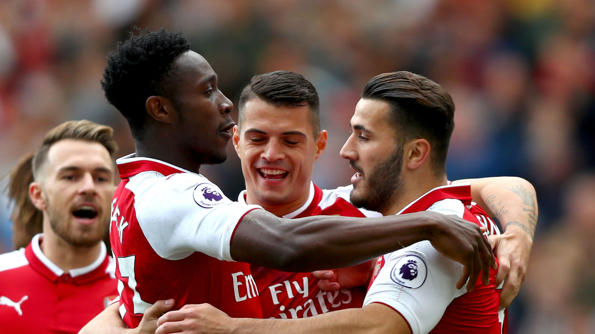 Wenger hails Welbeck after match-winning double