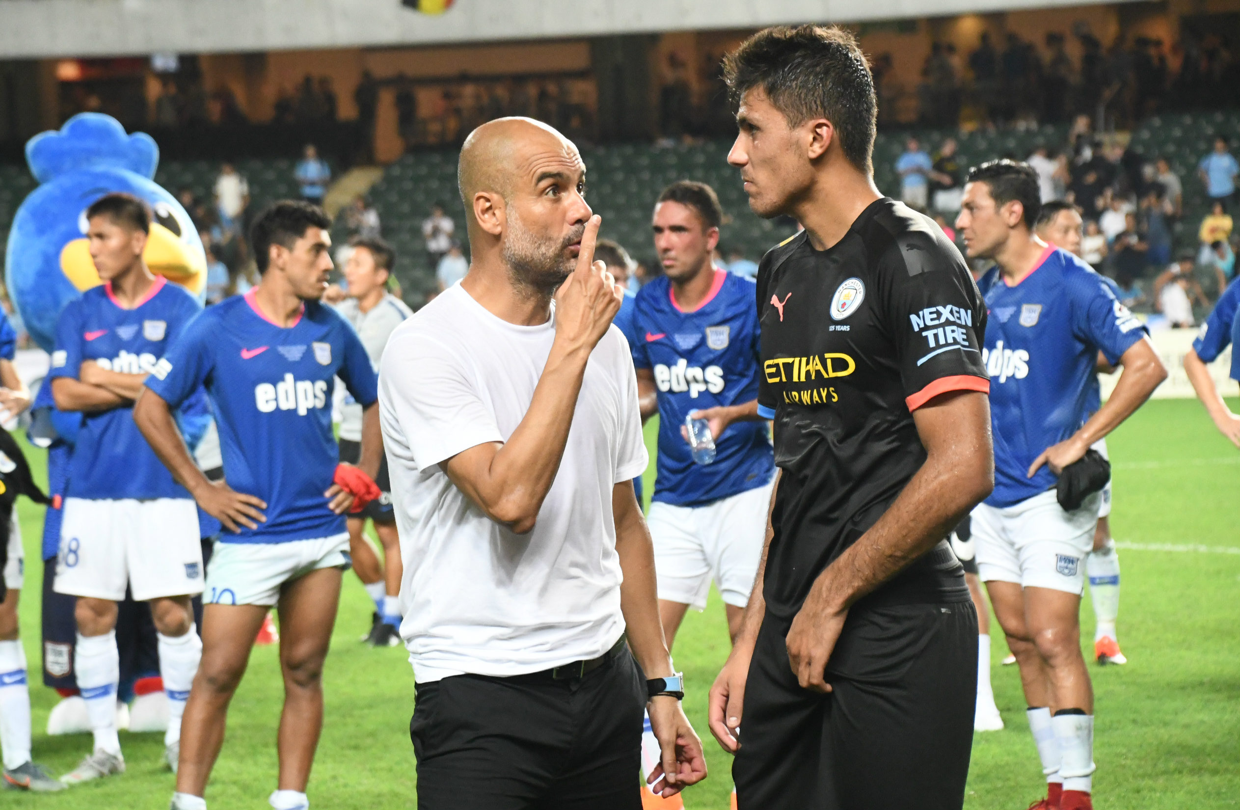 Manchester city to beat Kitchee 6:1,photo e