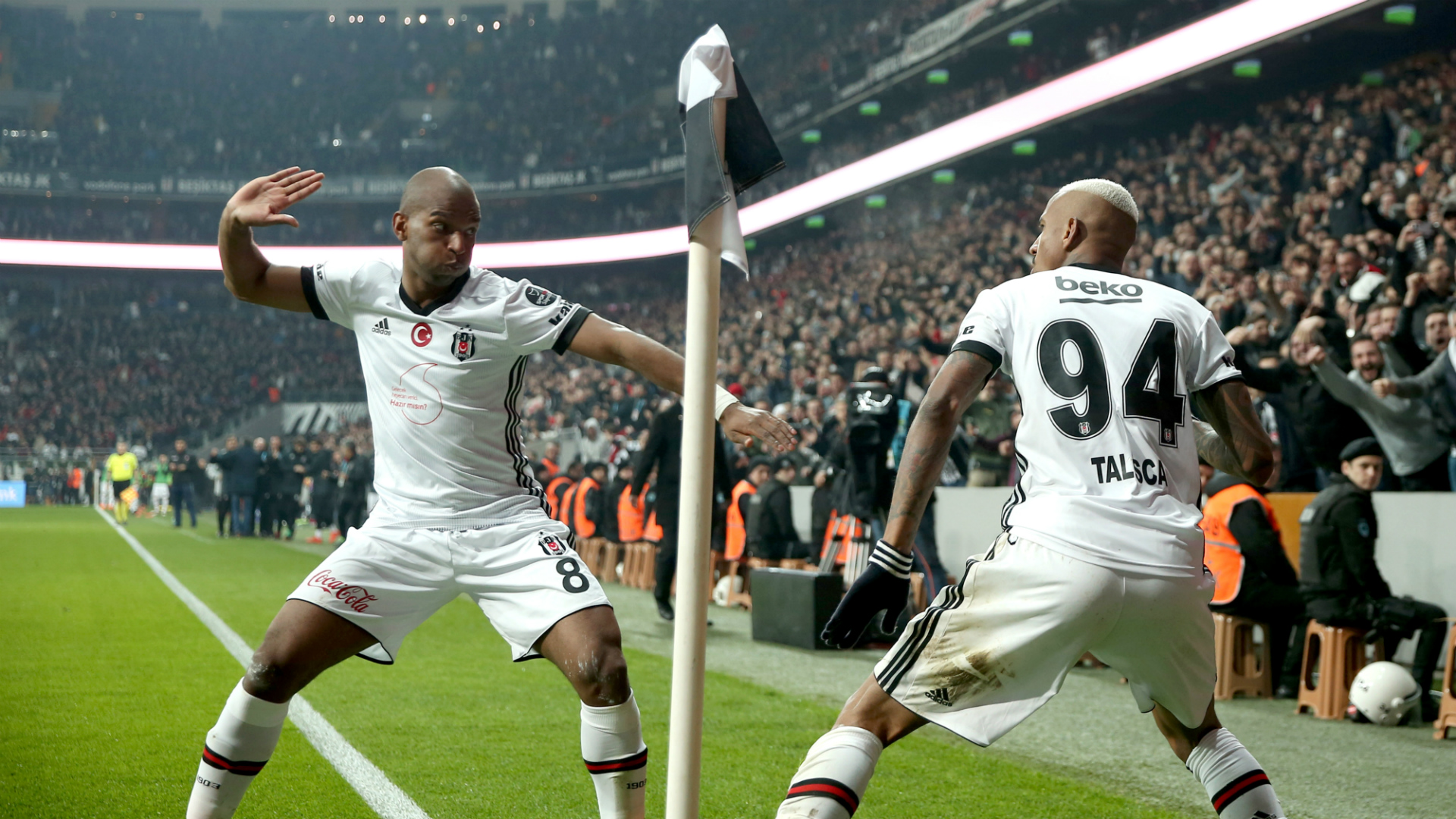 Ryan Babel Talisca Besiktas 03102018