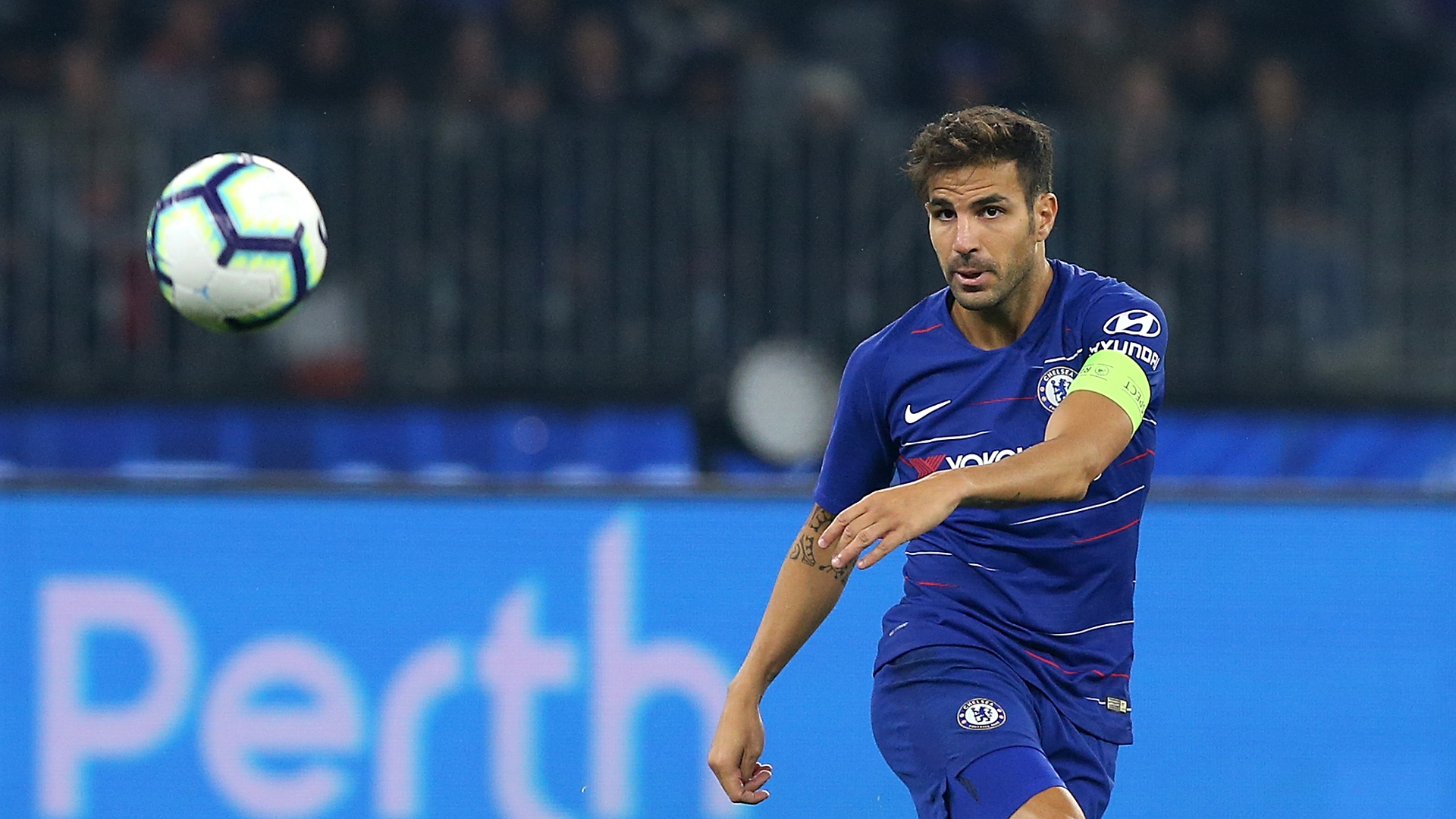 Maurizio Sarri urges Cesc Fabregas to stay at Chelsea