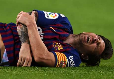 Messi injury gives Barca Clasico scare