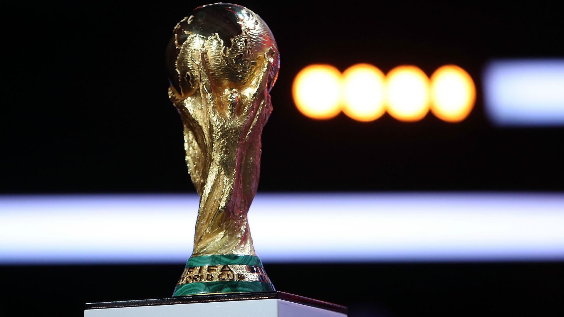 Fifa lança pôster oficial da Copa do Mundo com homenagem a Yashin