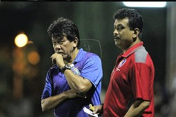 PKNS FC head coach E. Elavarasan (left) 2017
