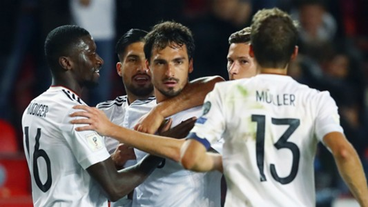 Mats Hummels Germany celebrate 01092017