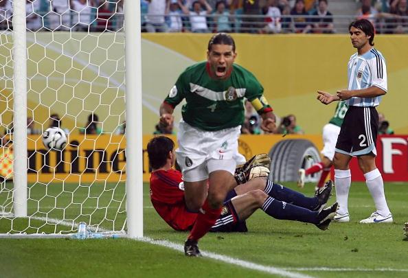 La marca Nike por primera vez se interesó en la Selección Mexicana en 2003  y fue su patrocinador oficial durante la justa mundialista en tierras  europeas. 03cb6deb69fd5