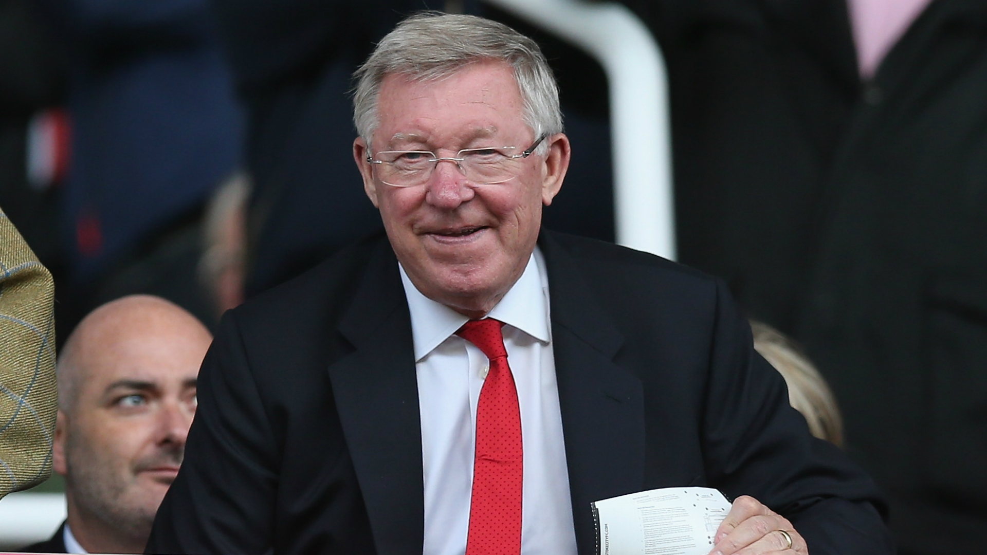 Ferguson 'emotional' in return to Old Trafford