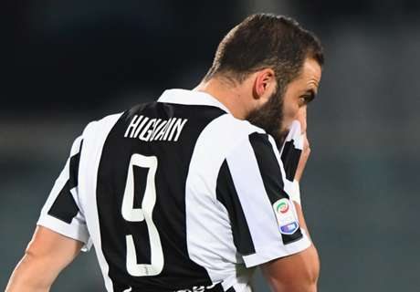 Juve prioritise Higuain sale with Chelsea & Milan interested