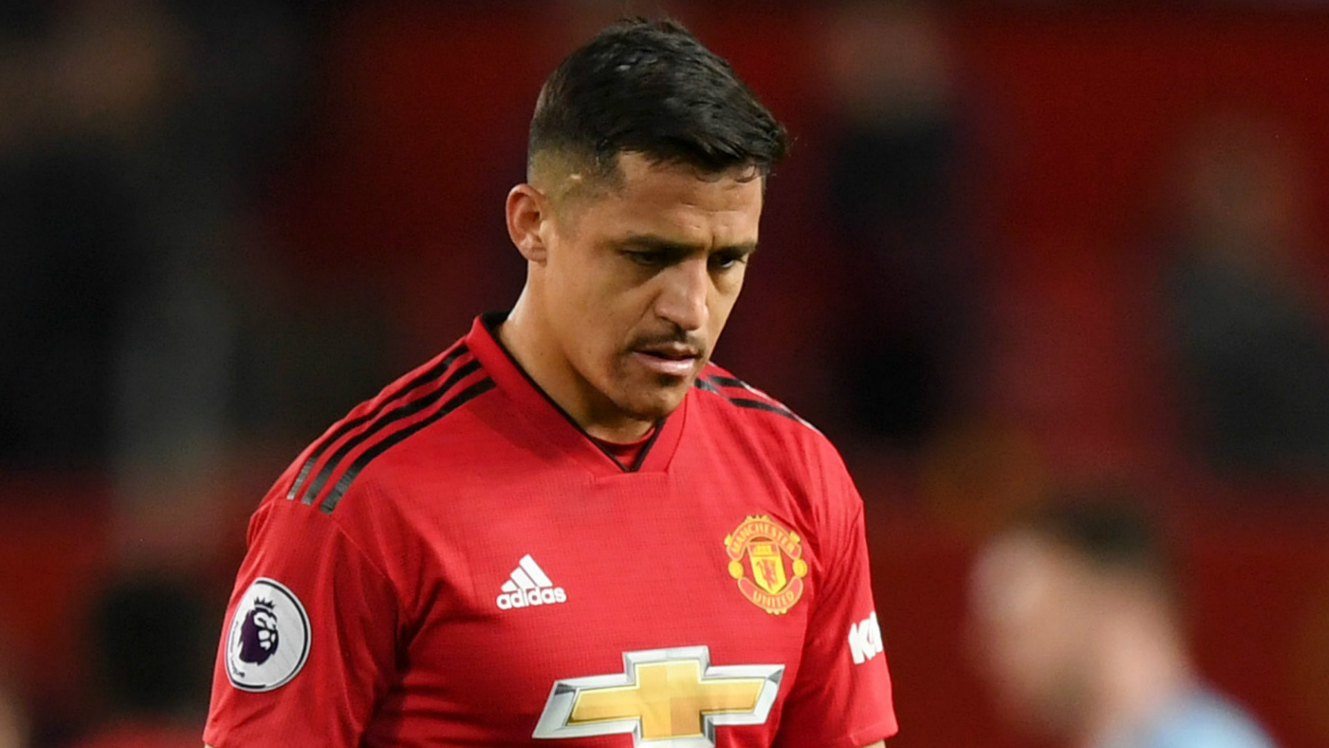 Man Utd prepared to pay £13 MILLION to clear Alexis off books
