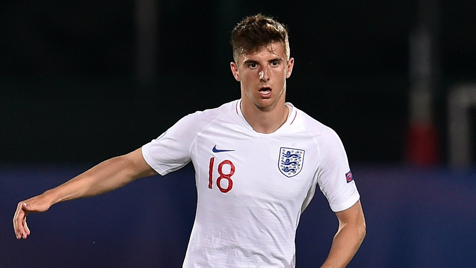 Chelsea midfielder Mason Mount signs new contract at Stamford Bridge