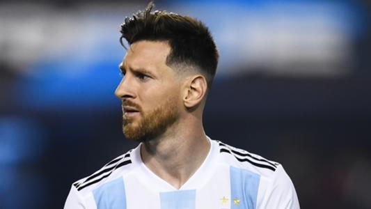 Argentina must lessen burden on Messi, says Guzman