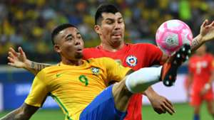 Gabriel Jesus Gary Medel Brasil Chile WC Qualifiers 2018 10102017