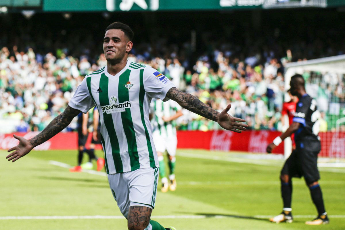 Andrés Guardado vuelve a lucir en el triunfo del Betis sobre Alavés