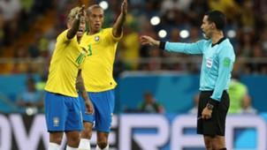 2018-06-18-brazil-miranda-neymar