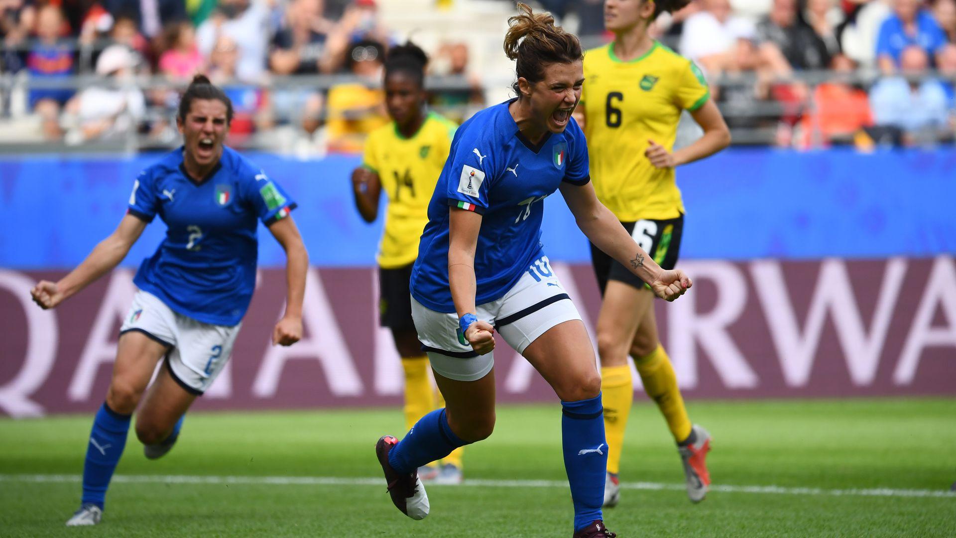 Gol e spettacolo dell'Italia femminile: 5 gol alla Giamaica