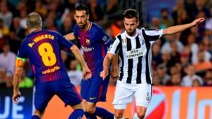 Miralem Pjanic Sergio Busquets Barcelona Juventus Champions League 12092017